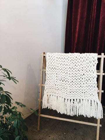 xxl chunkly 2 ply knit blanket in white made with giant needles made in new zealand with merino wool