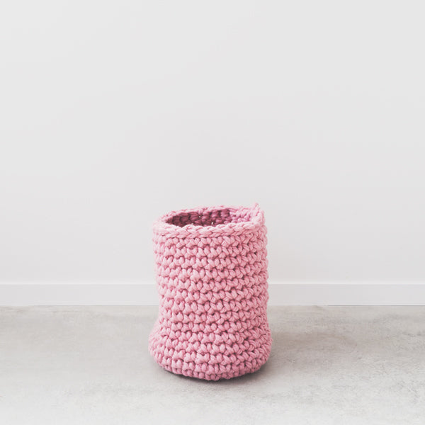 Create this chunky hanging kitchen tidy using our chunky wool merino bumps of Plump & Co Mini 2 ply yarn, with Giant crochet hook from Plump & Co. In New Zealand and Australia. With chunky wool merino knits and layers of textures for your home inspiration.