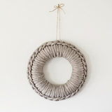 Plump & Co arm knitting wreaths with chunky merino wool yarn for big knitting. Shipping Free to Australia and New Zealand