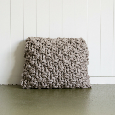 Moss stitch pillow | Pattern