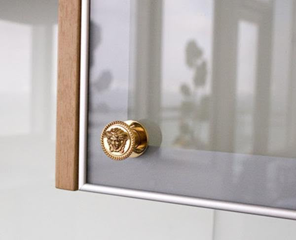 Merveilleux ... Versace Medusa All Purpose Knobs In 24K Gold Plated   Pair