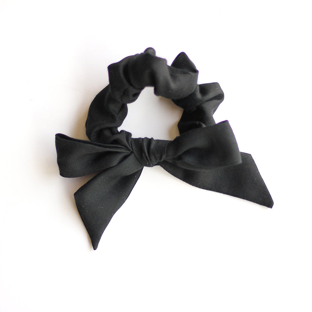 Black :: Explorer Scrunchie
