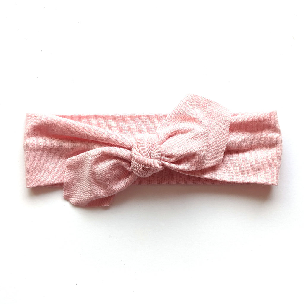 Soft Pink :: Traveler Knot