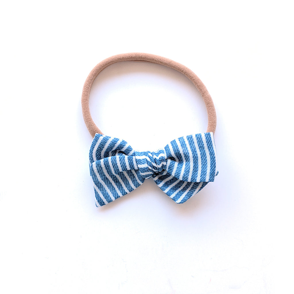 Chambray Stripe :: Mini Voyager Bow