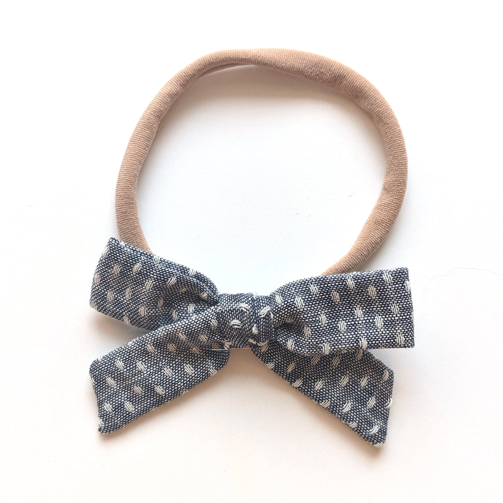 Dark Chambray Stitch :: Mini Explorer Bow