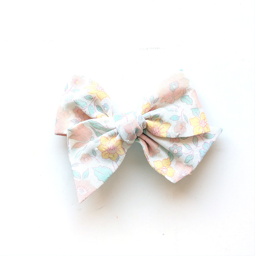 Faded Floral :: Voyager Bow