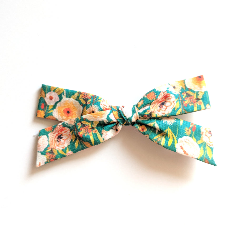 Green Floral :: Explorer Bow