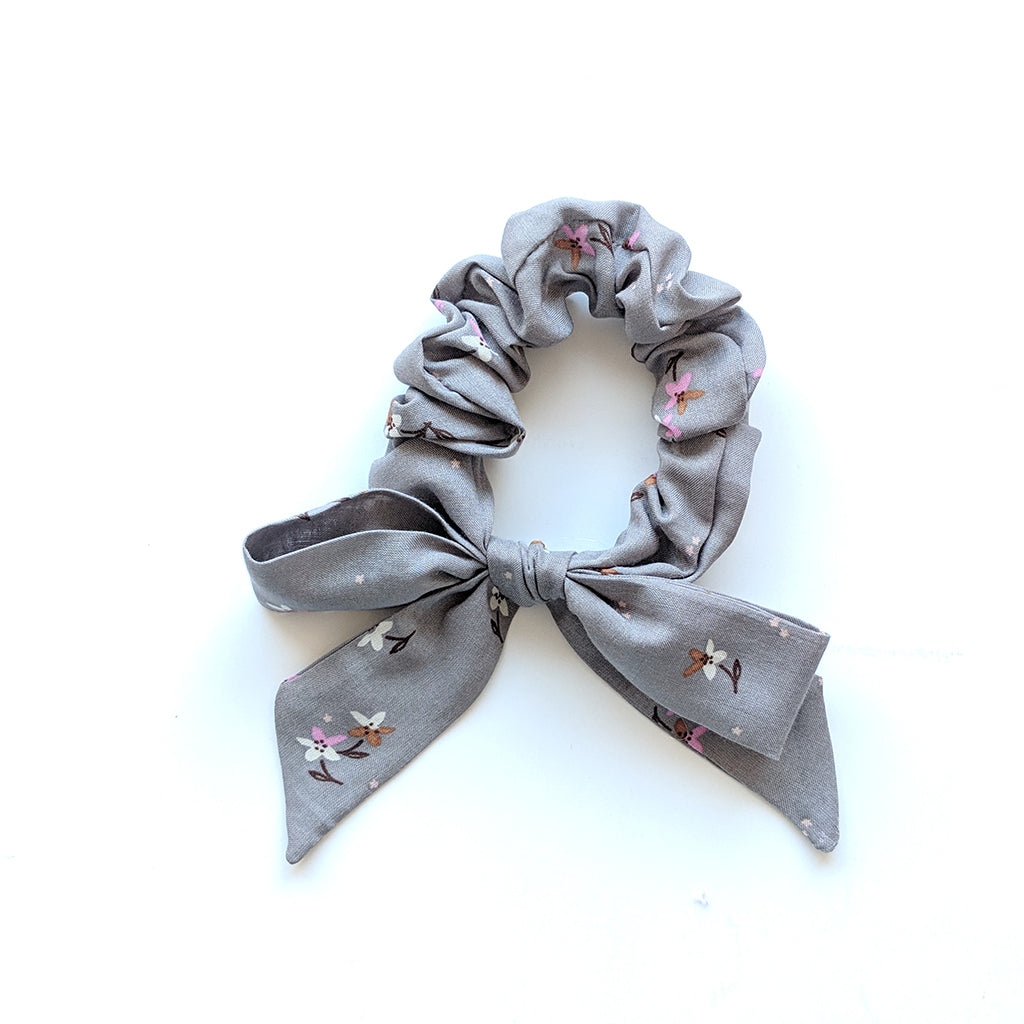 Grey Petite Floral :: Explorer Scrunchie