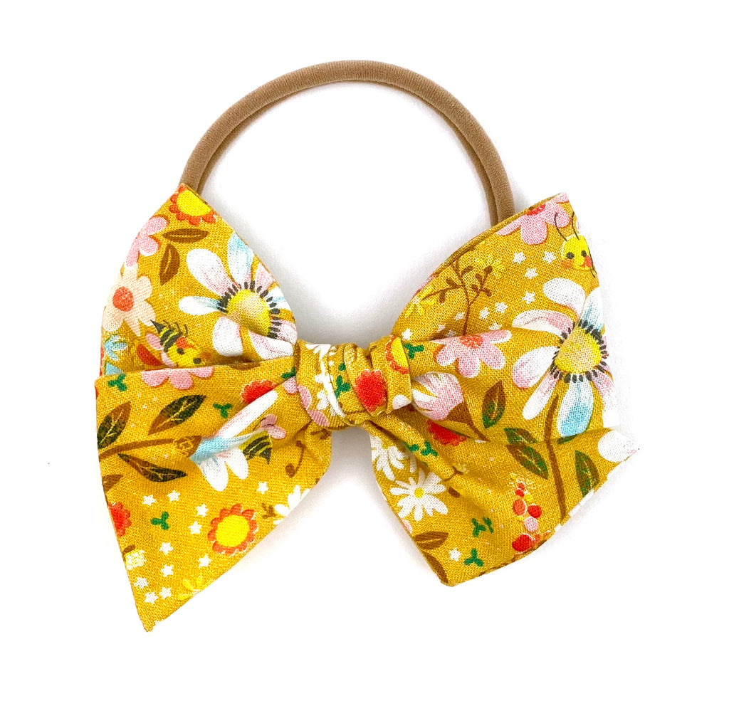 Blooms and Bees Floral :: Voyager Bow