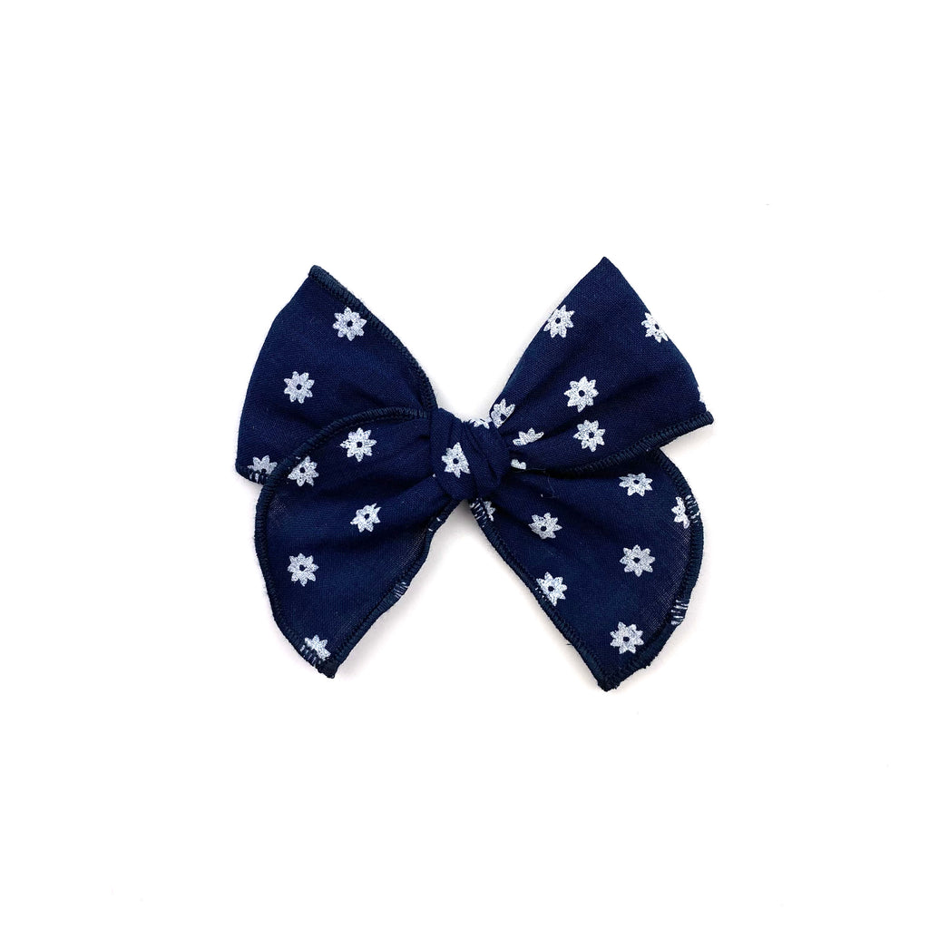 Navy Daisy :: Mini Traveler