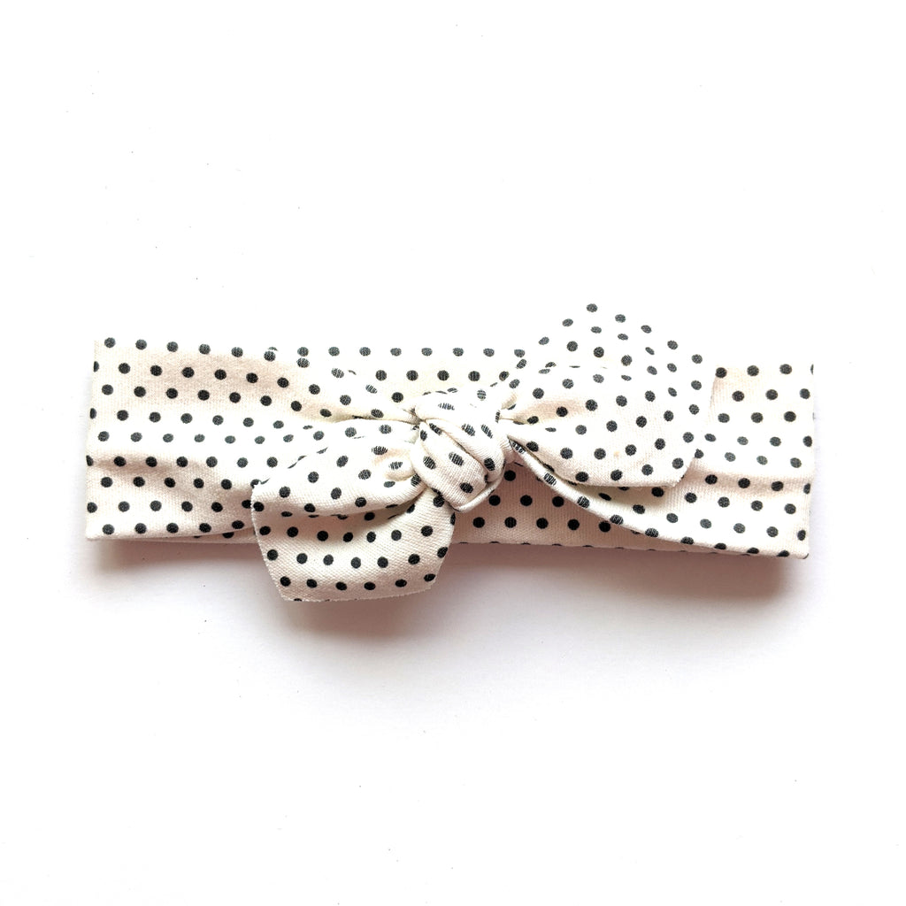 Ivory Dot :: Traveler Knot