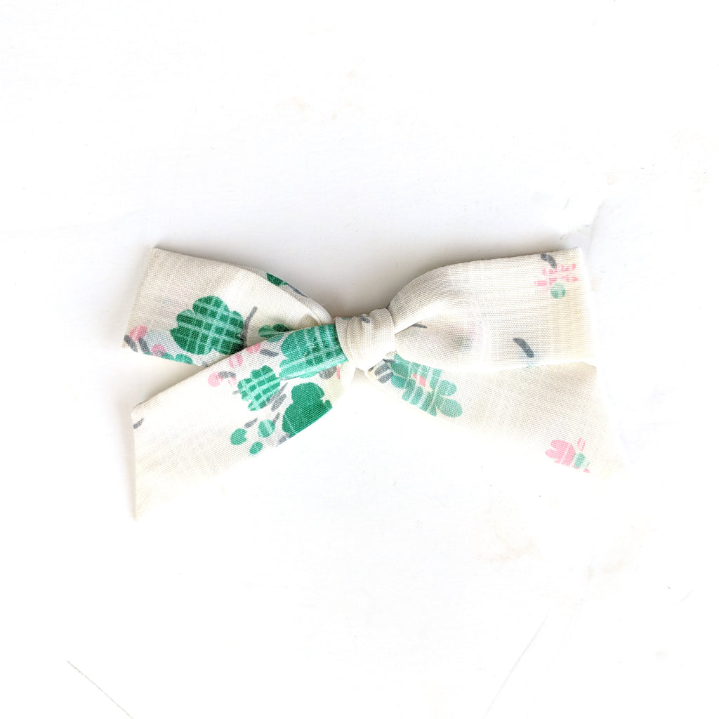 Soft Summer Floral :: Oversized Explorer Bow