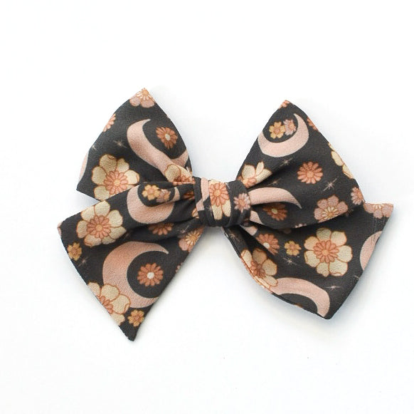 Midnight Floral :: Indy and Pippa Bow