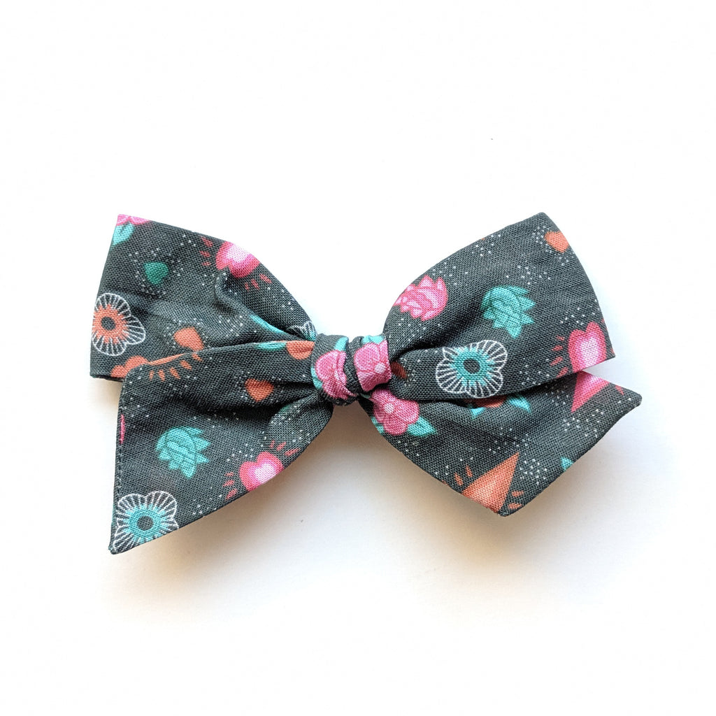 CoCo Floral :: Mini Voyager Bow