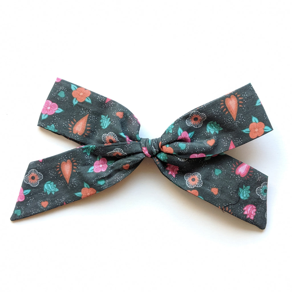 CoCo Floral :: Oversized Explorer Bow