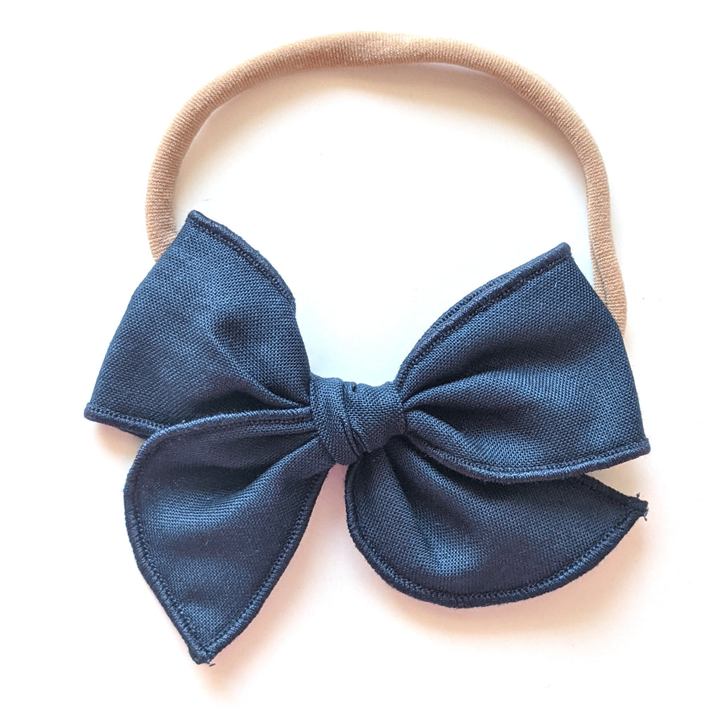 Navy :: Mini Wayfarer Bow