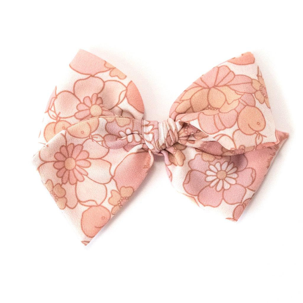 Peach Floral :: Indy and Pippa Bow