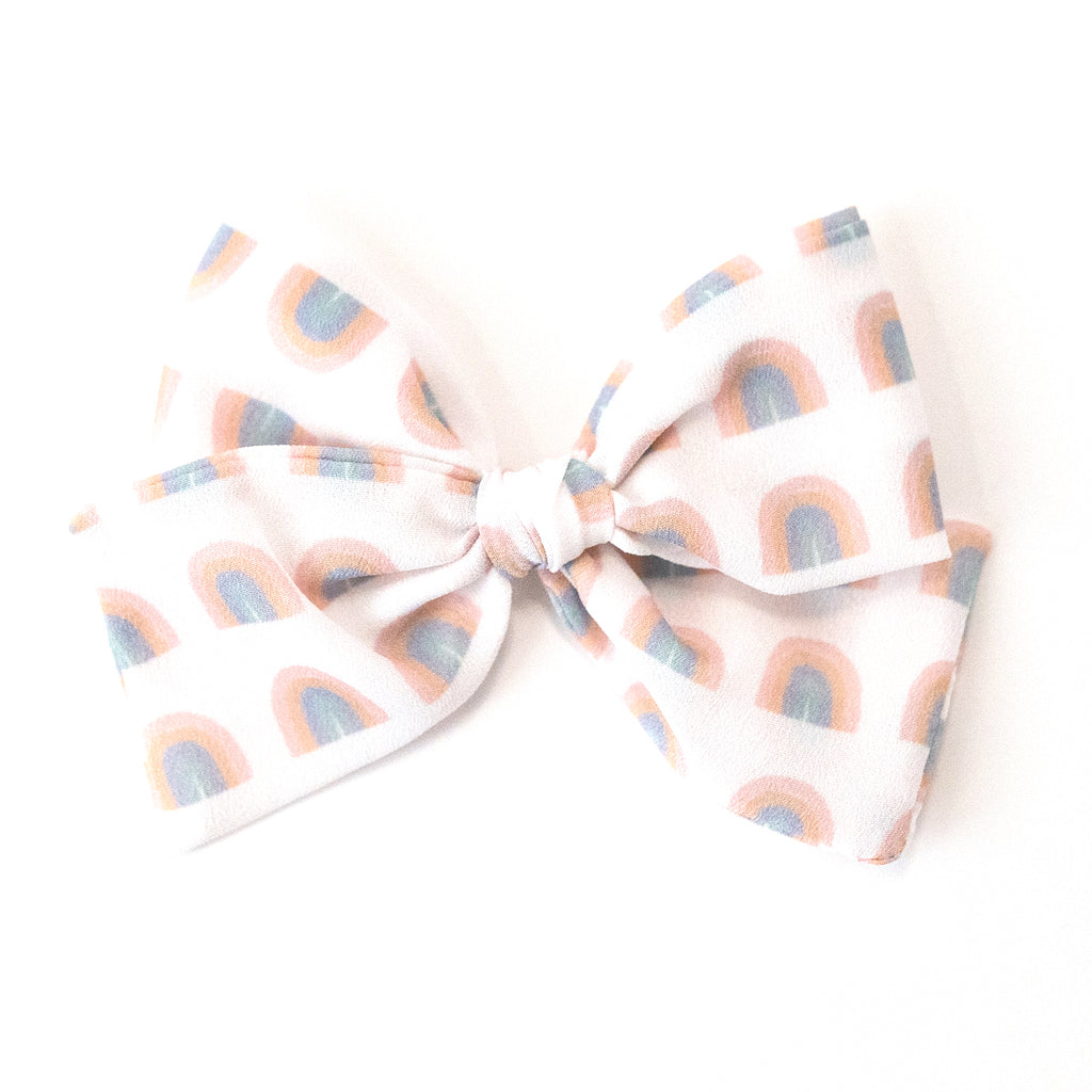 Calming Rainbow :: Indy and Pippa Bow