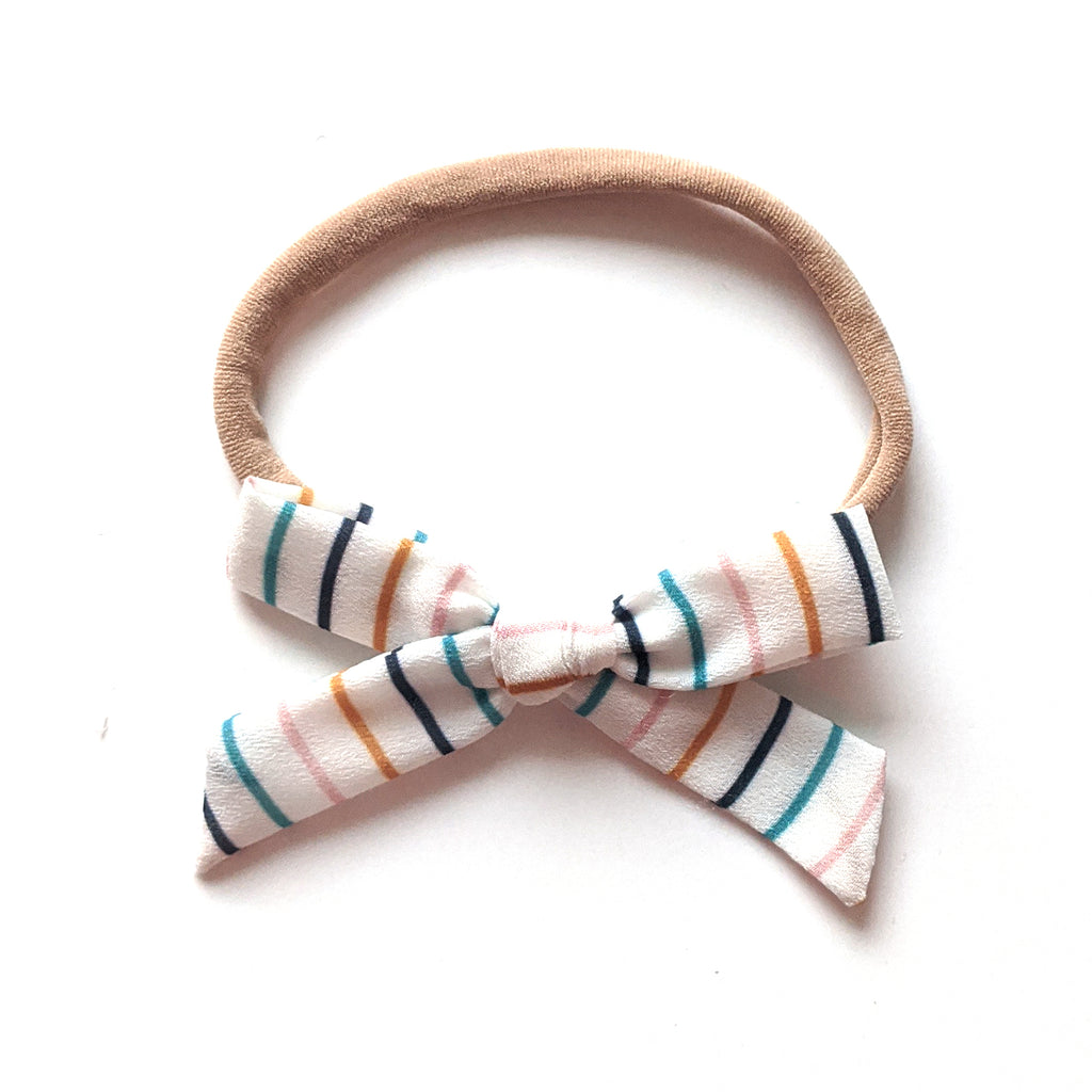School Stripe :: Mini Explorer Bow