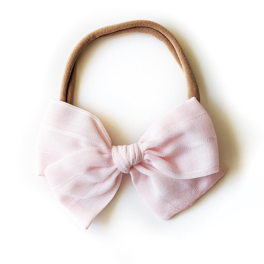 Soft Pink Pinstripe :: Mini Voyager Bow