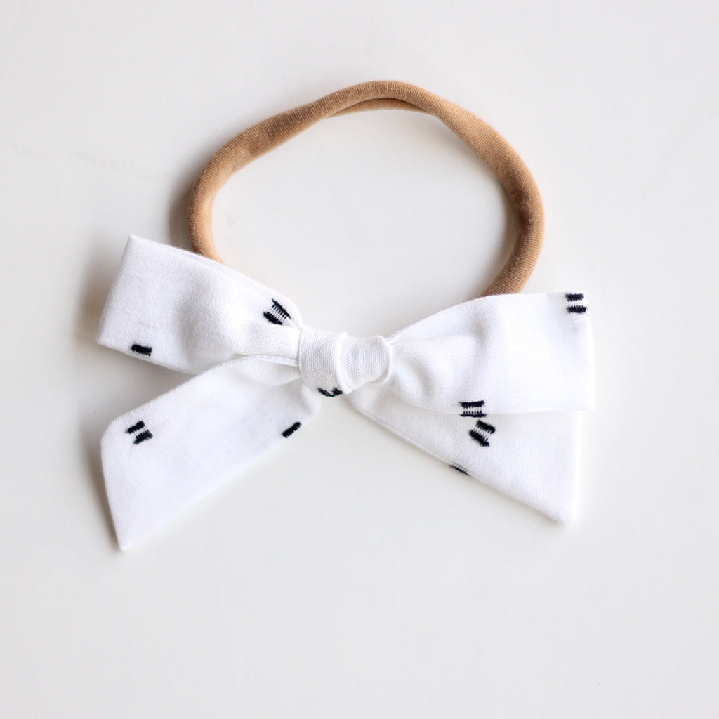 White with Black Flecks :: Explorer Bow