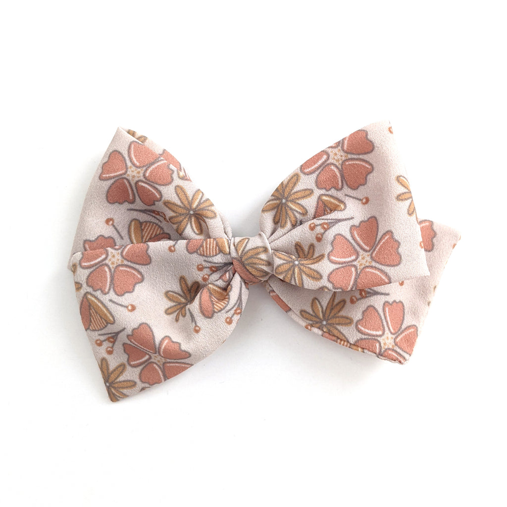 Wild Floral :: Indy and Pippa Bow