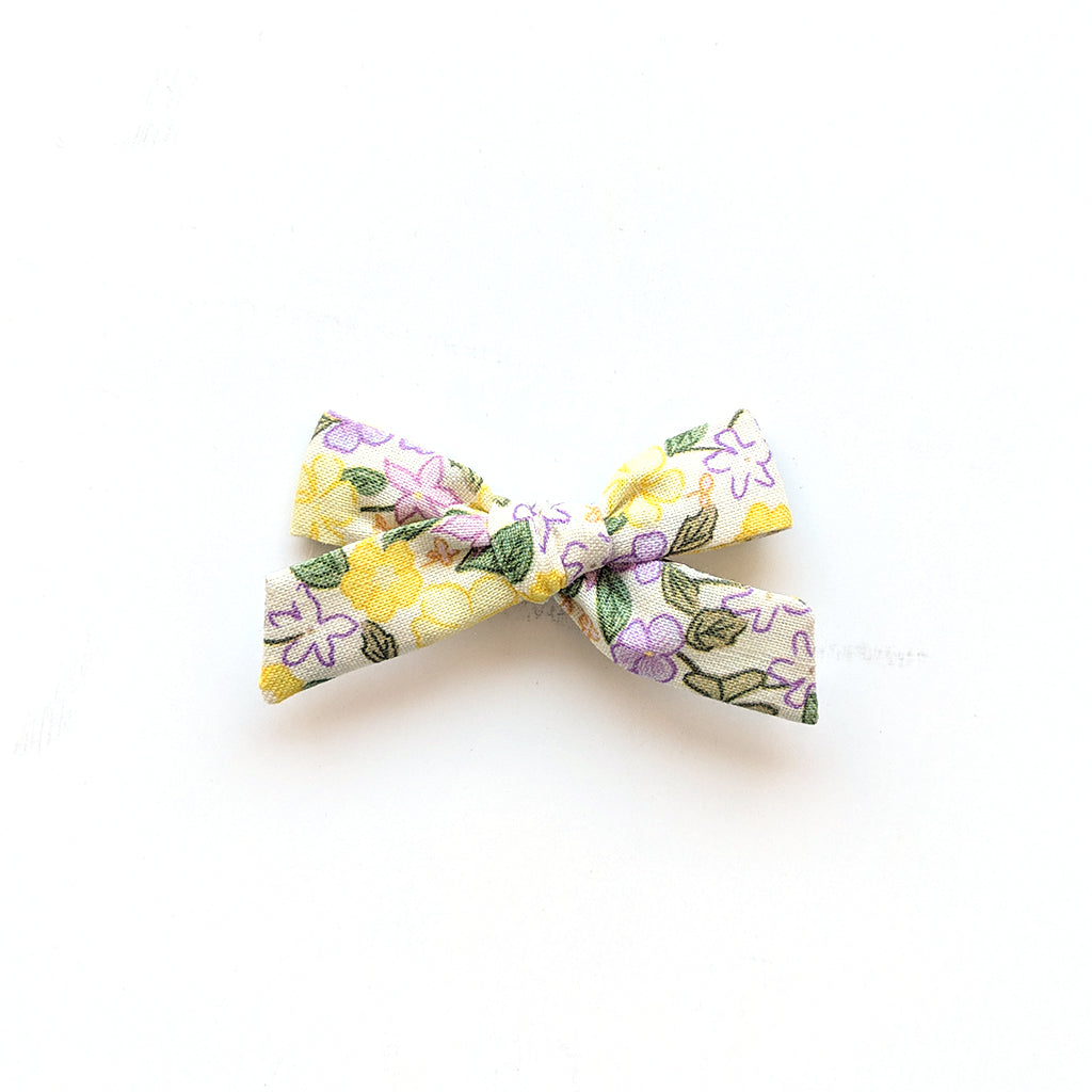 Springtime Floral :: Mini Explorer Bow