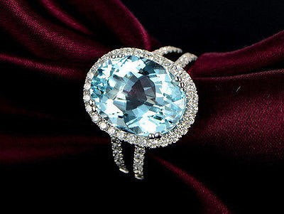 Amazing 1.33ct Oval Faceted Aquamarine and Diamond Ring