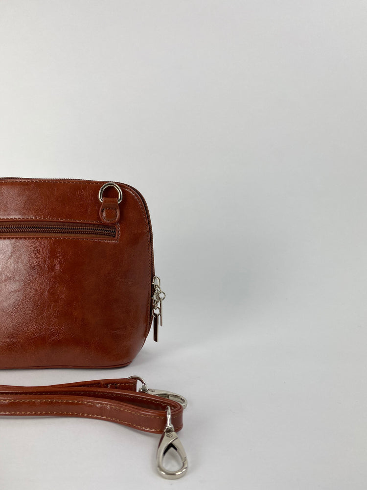Pretty Vacant vintage brown handbag - faux leather