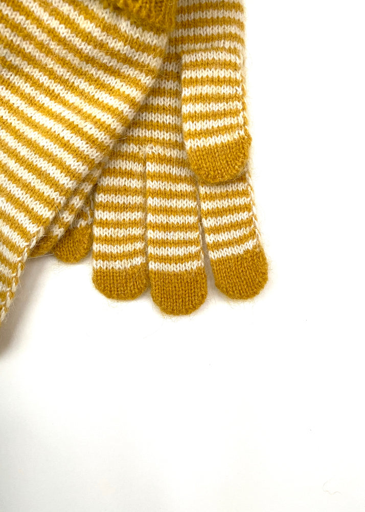 Stripe gloves