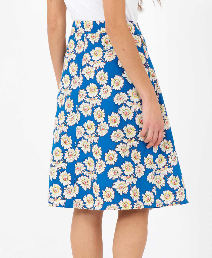 pretty vacant sherry skirt in blue daisy print - knee length - back