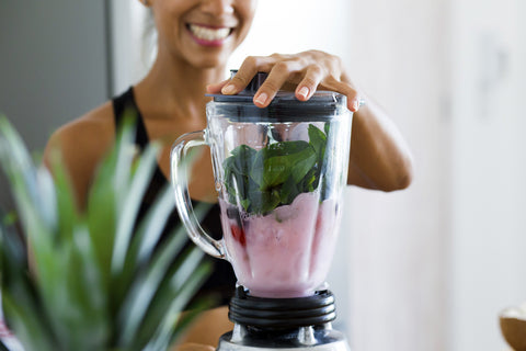 Woman_Smoothie