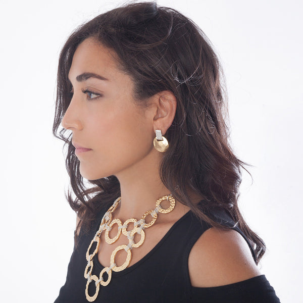 MAGGIE HAMMERED SHORT DROP EARRING IN GOLD/SILVER MIX