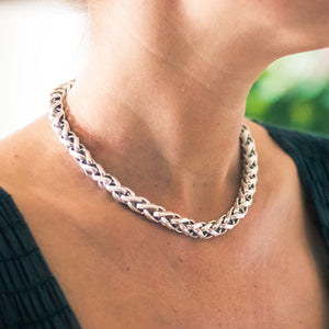 ELORA BRAIDED LINK NECKLACE - Karine Sultan Official Website