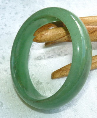 Translucent Green Nephrite Jade Bangle Brtacelet 57.5mm (H28)