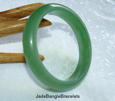 Good Green Chinese Nephrite Jade Bangle Bracelet 60mm (H-32)