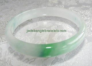 "Clearance-Auspicious ""Kiss of Green"" Jadeite Bangle 57mm (JBB1005)"