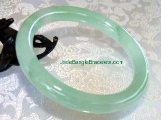 Clearance- Elegant Translucent Classic Round Jadeite Bangle 59.5mm (JBB2556)