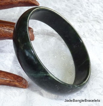 """Luminous"" Jiuquan Chinese Jade Bangle Bracelet 58mm (JBB3100)"