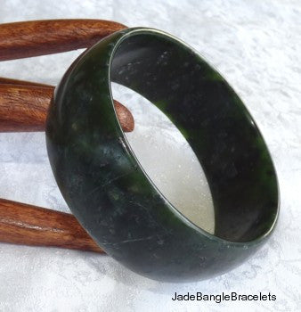 """Luminous"" Jiuquan Chinese Jade Bangle Bracelet 60mm  (Fits like 3-4mm smaller) (JBB3101)"