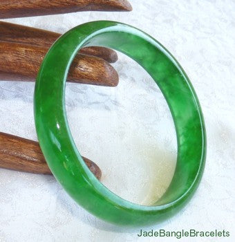 Clearance-Translucent Bright Green Elegant Jadeite Jade Bangle Bracelet 58.5mm (JBB3161)