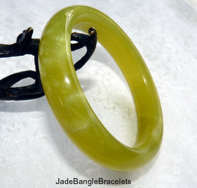 """Lemony""Translucent Chinese Jade Bangle Bracelet 61mm (JBB"