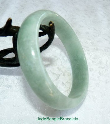 JBB Favorite-Classic Good Green Burmese Jadeite Bangle Bracelet 57mm (JBB3231)