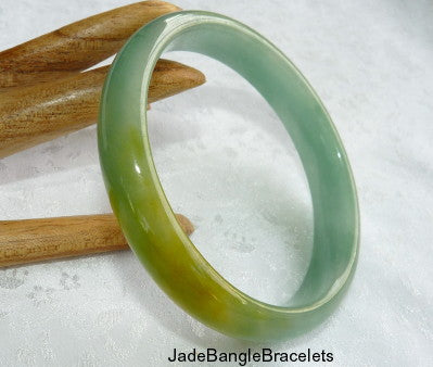 "Clearance-Green and ""Honey"" Burmese Jadeite Bangle Bracelet 59.5mm (JHBB3326)"