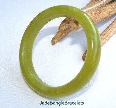 """Don't Worry-Be Happy!""  Chinese Jade Bangle Bracelet 60.5mm (JBB3359)"