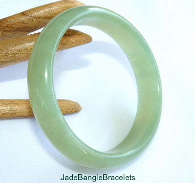 """Good Green"" Translucent Chinese Jade Bangle Bracelet 58mm (JBB3362)"