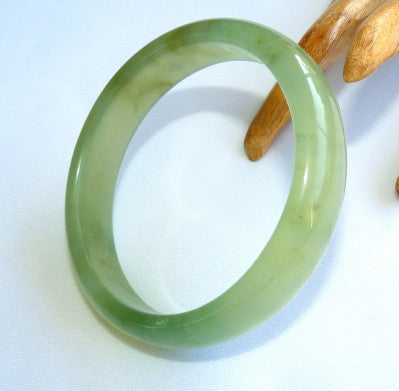 """Good Green"" Translucent Chinese Jade Bangle Bracelet 59mm (JBB3363)"