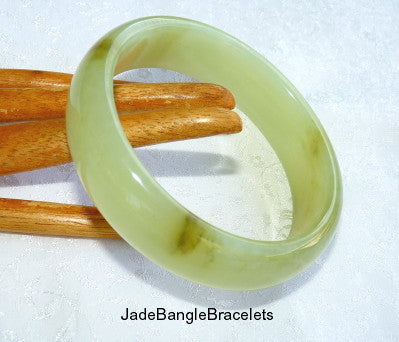 """Dragon Tracks"" Translucent Green Chinese Jade Bangle Bracelet 59mm (JBB-3369)"