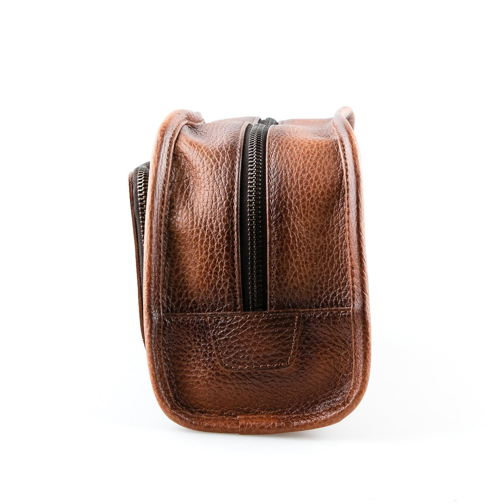 Fendrihan Pebbled Leather Toiletry Bag, Brown
