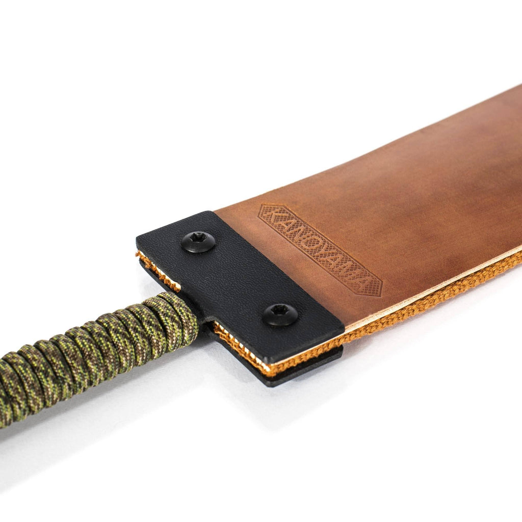 Kanayama Llama #4560 Hanging Razor Strop with Handle Leather Strop Kanayama